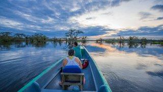 voyage equateur entre amis - Couché de soleil au parc national de Cuyabeno en Amazonie