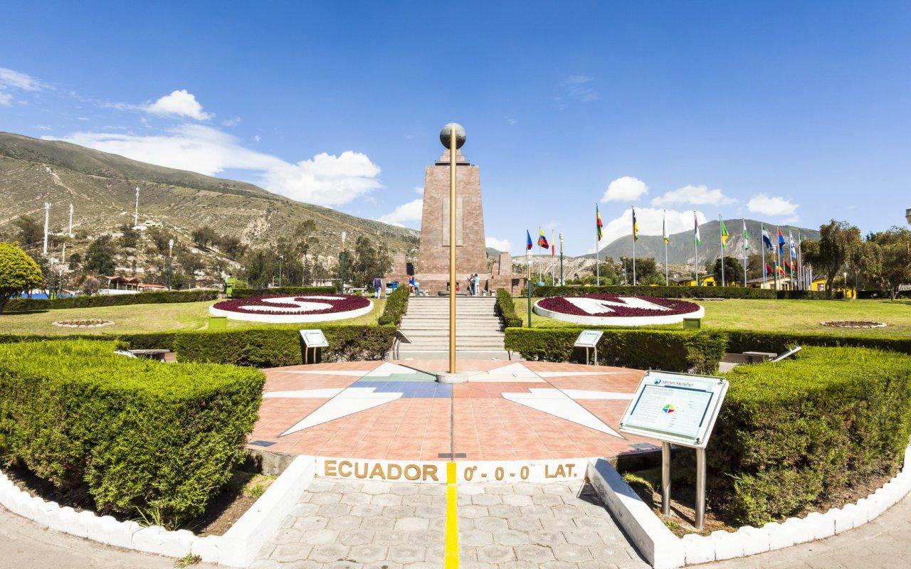 Mitad del Mundo en Equateur