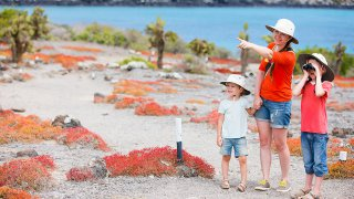 Découvrez les merveilles des Îles Galapagos en famille